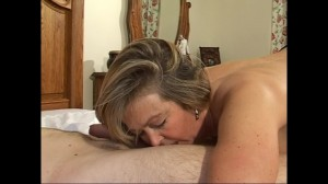 Mature Alex loves to suck dick