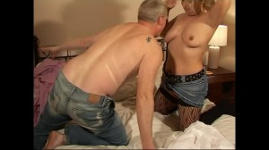Housewife Ember enjoys a threesome